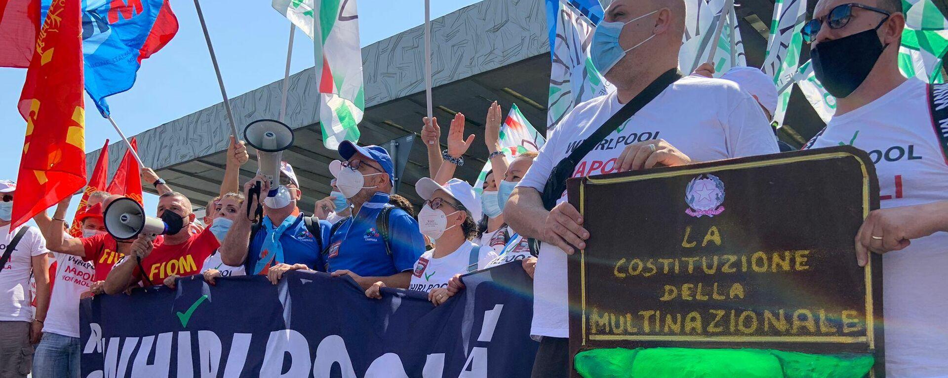 Manifestazione lavoratori Whirlpool a Roma, 22 luglio 2022 - Sputnik Italia, 1920, 10.09.2021