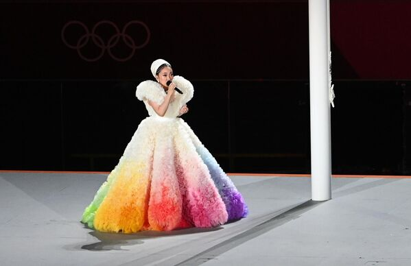 La cantante Misia canta l'inno nazionale giapponese. - Sputnik Italia