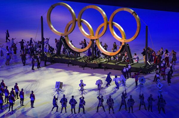 Gli artisti durante la cerimonia di apertura delle Olimpiadi di Tokyo. - Sputnik Italia
