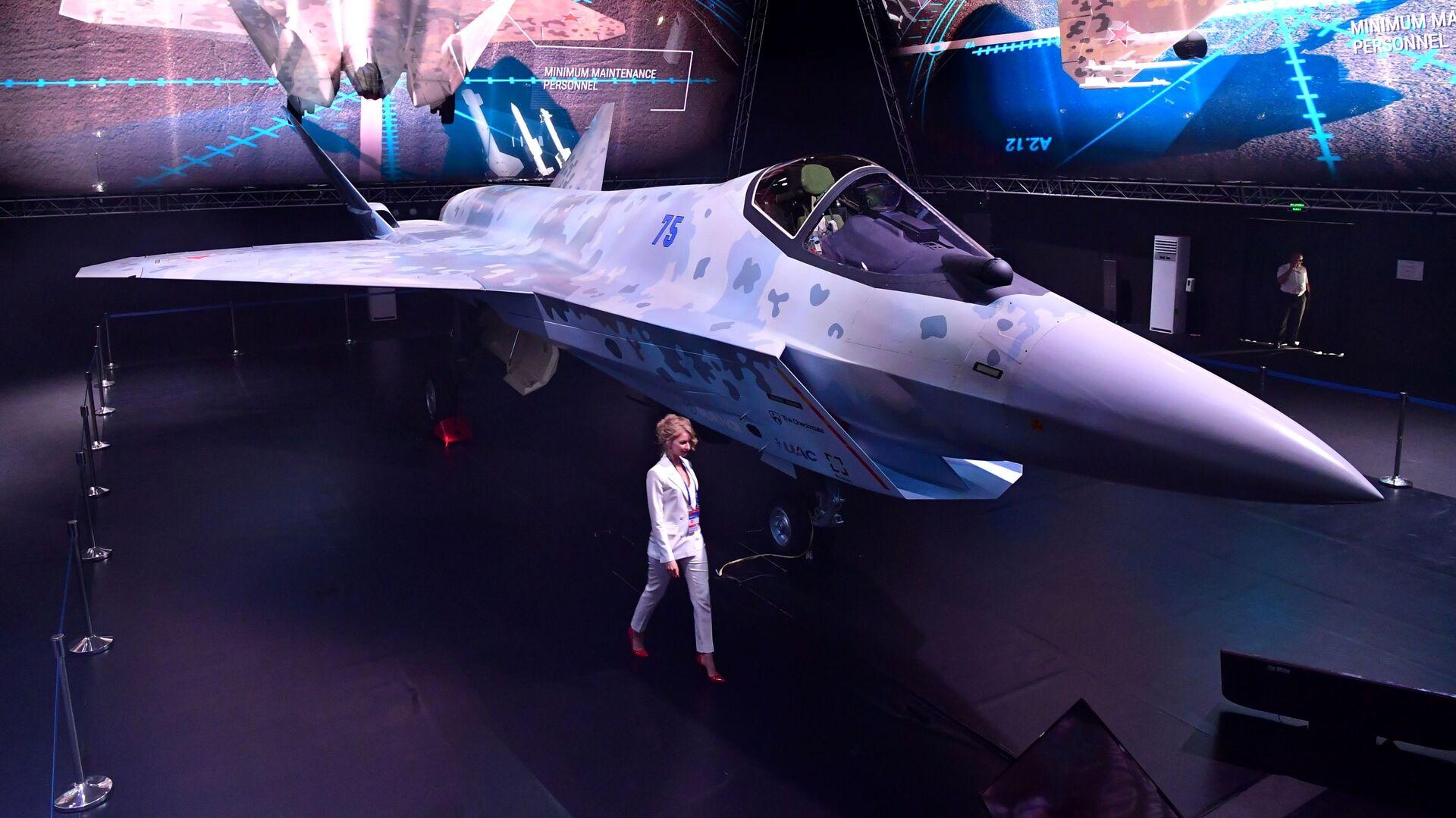 Презентация нового военного самолета Checkmate  - Sputnik Italia, 1920, 12.09.2021