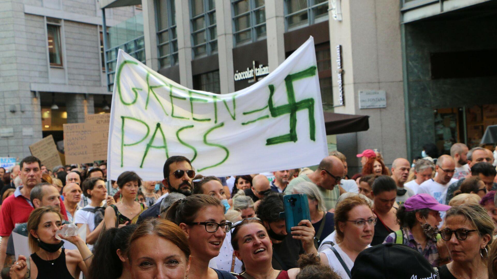 Manifestazione No green pass a Milano - Sputnik Italia, 1920, 25.08.2021