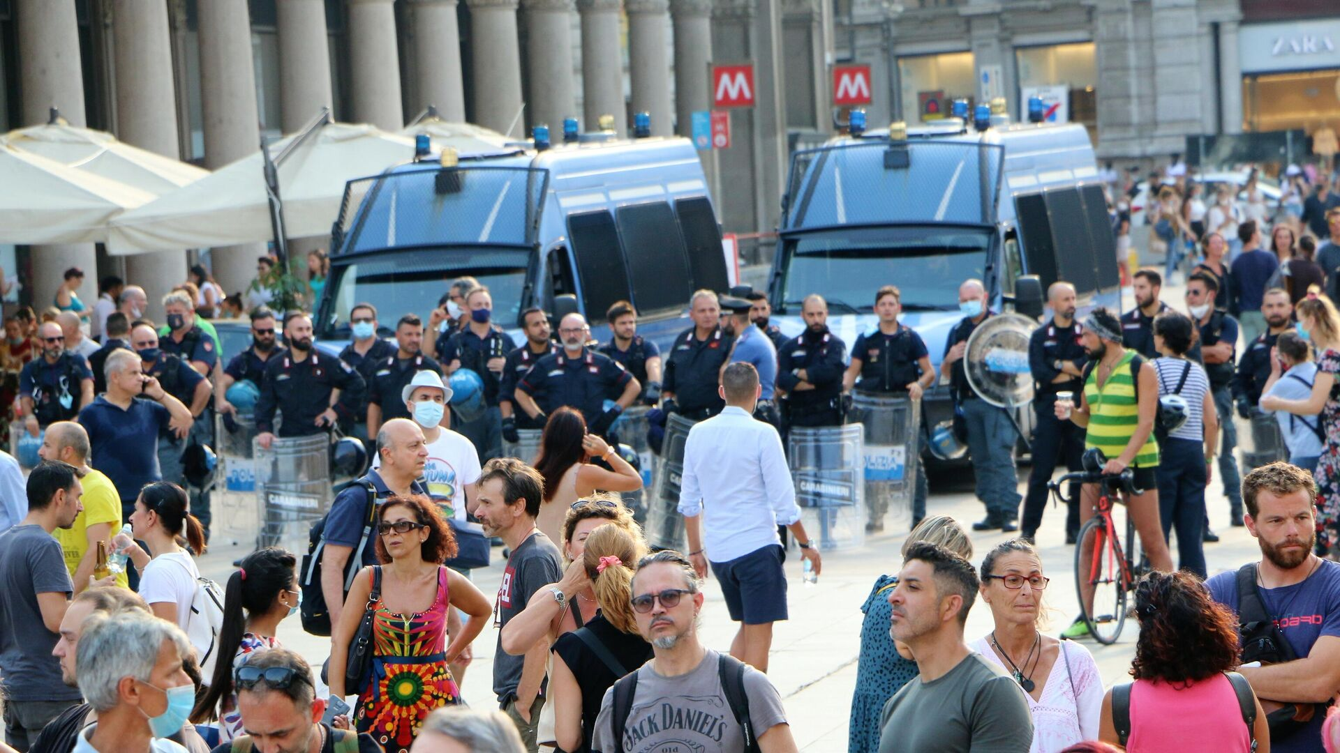 Manifestazione No green pass a Milano - Sputnik Italia, 1920, 31.07.2021