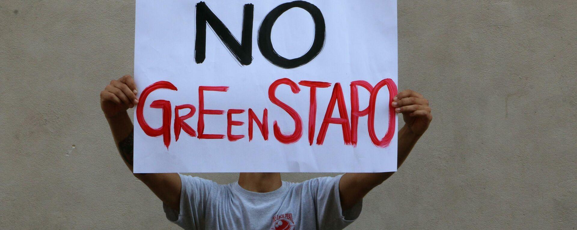 Milano, Napoli, Torino: italiani protestano contro il Green Pass - Sputnik Italia, 1920, 25.07.2021