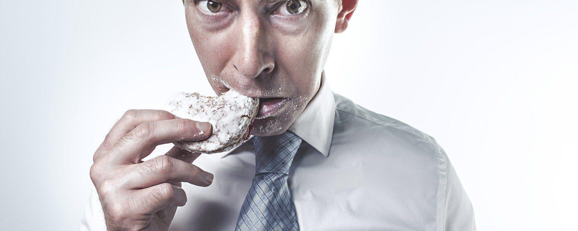 Uomo che mangia - Sputnik Italia, 1920, 25.07.2021
