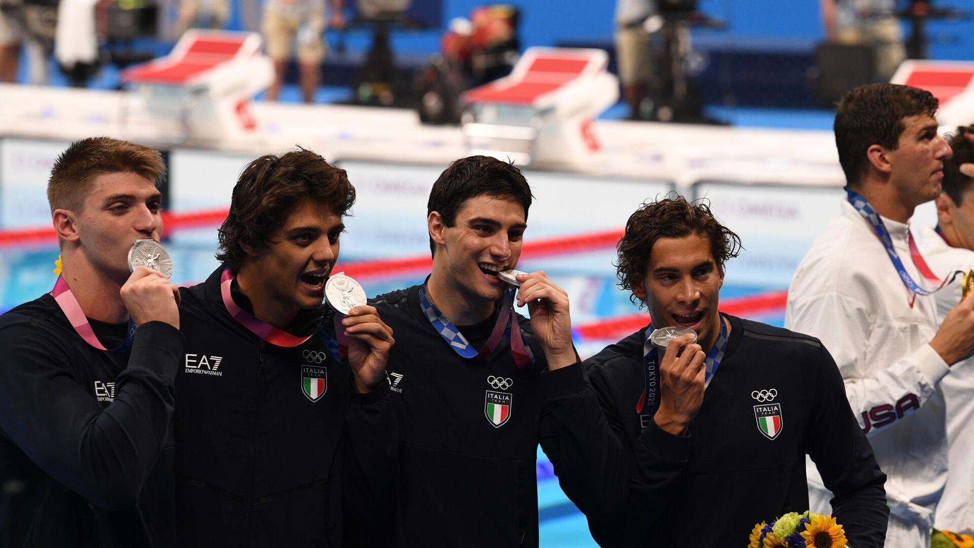 Alessandro Miressi, Thomas Ceccon, Lorenzo Zazzeri e Manuel Frigo hanno conquistato un argento nella staffetta 4 x 100 stile libero - Sputnik Italia, 1920, 26.07.2021