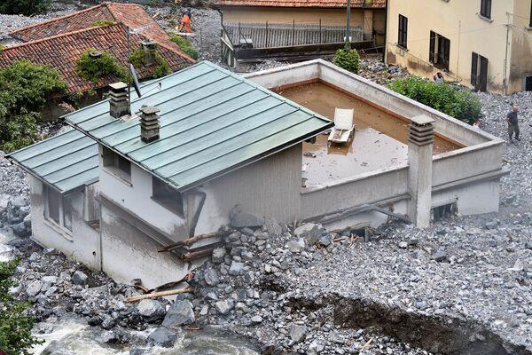 Emergenza nella provincia di Como dove sono stati segnalati smottamenti e frane. - Sputnik Italia