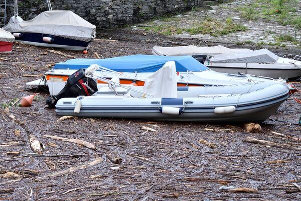 Anche il livello delle acque nel lago suscita preoccupazione: sospesi i servizi di navigazione.  - Sputnik Italia