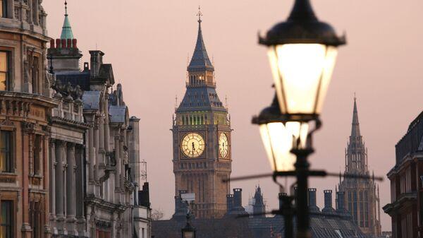 Вид на Биг-Бен с Трафальгарской площади, Лондон - Sputnik Italia