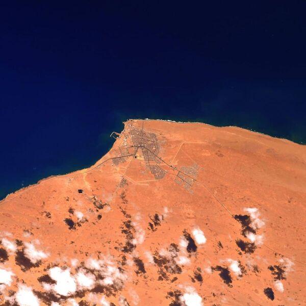La Stazione Spaziale Internazionale vola a circa 400 km di altitudine, quindi Thomas Pesce ha utilizzato l'obiettivo più lungo disponibile a bordo: 1150 mm. - Sputnik Italia