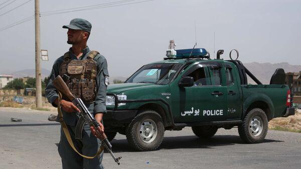 Сотрудник  национальной полиции Афганистана на КПП - Sputnik Italia