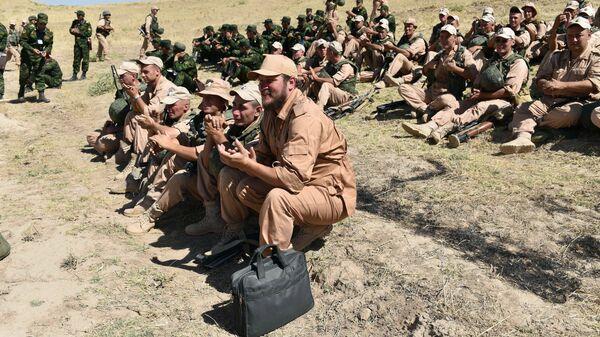 Совместные учения 201-й российской военной базы и военных сил Таджикистана - Sputnik Italia