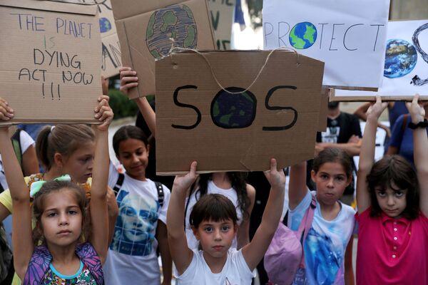 La protesta degli attivisti ambientali a Nicosia, Cipro, nel 2019. - Sputnik Italia