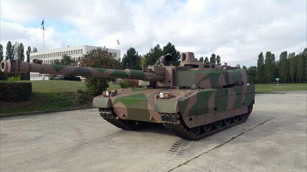 Французский танк AMX-56 «Леклерк» с орудием 140 мм - Sputnik Italia