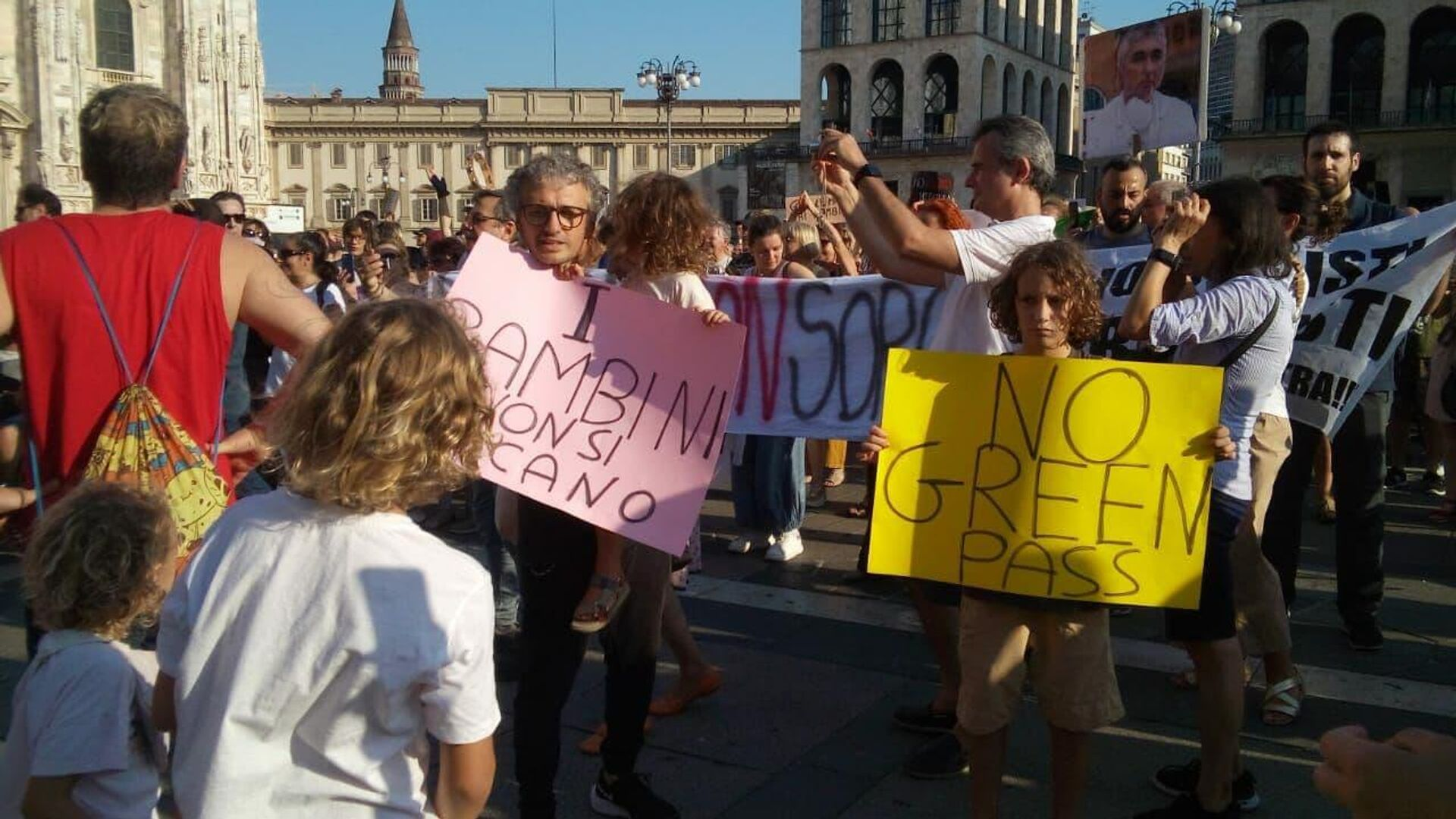 Manifestazione no Green pass a Milano  - Sputnik Italia, 1920, 28.08.2021