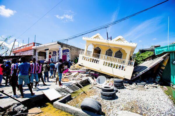 Un altra casa distrutta dal terremoto. - Sputnik Italia