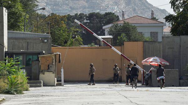 Служба безопасности у Зеленой зоны в Кабуле  - Sputnik Italia