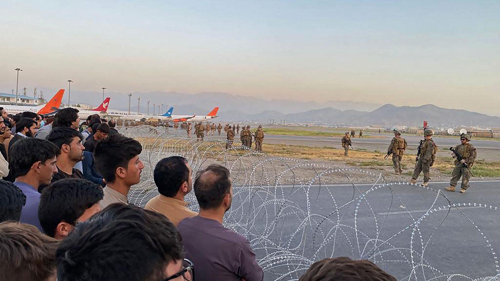 Американские солдаты в аэропорту Кабула  - Sputnik Italia, 1920, 17.08.2021