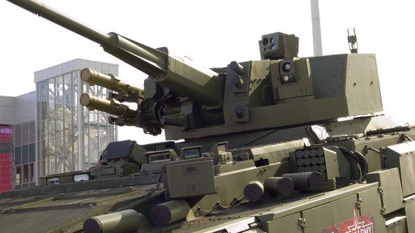 Российский боевой модуль АУ220М на Т-15 - Sputnik Italia