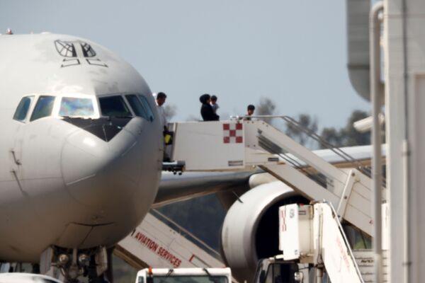 Anche l'Italia ha avviato le operazioni di evacuazione: nella notte fra domenica e lunedì, un Boeing KC-767 dell'Aeronautica militare italiana è partito dall'aeroporto di Kabul con a bordo decine di italiani e alcuni afghani collaboratori della missione italiana. - Sputnik Italia