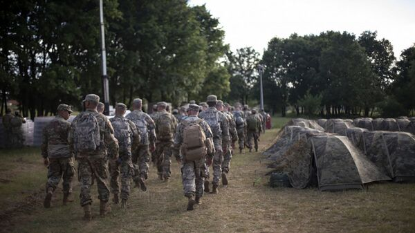 Военные НАТО во время военных учений DEFENDER-Europe 21 в Албании  - Sputnik Italia