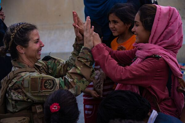 L'evacuazione dei lavoratori stranieri e degli afghani che hanno collaborato con le missioni straniere è stata attuata mediante l'unico aeroporto a Kabul. - Sputnik Italia
