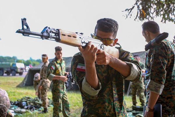 Se nel 2015 56 squadre provenienti da 17 paesi hanno mostrato le loro abilità in 14 contesti militari, nel 2016 ci sono state già 23 competizioni, a cui hanno preso parte più di tremila militari. - Sputnik Italia