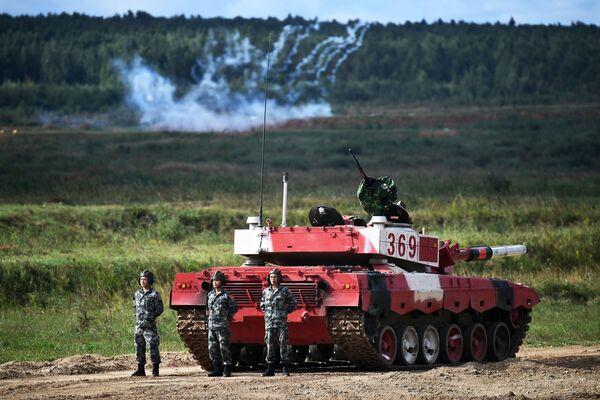 La specialità regina dei Giochi Militari Internazionali - il biathlon dei carri armati - Sputnik Italia