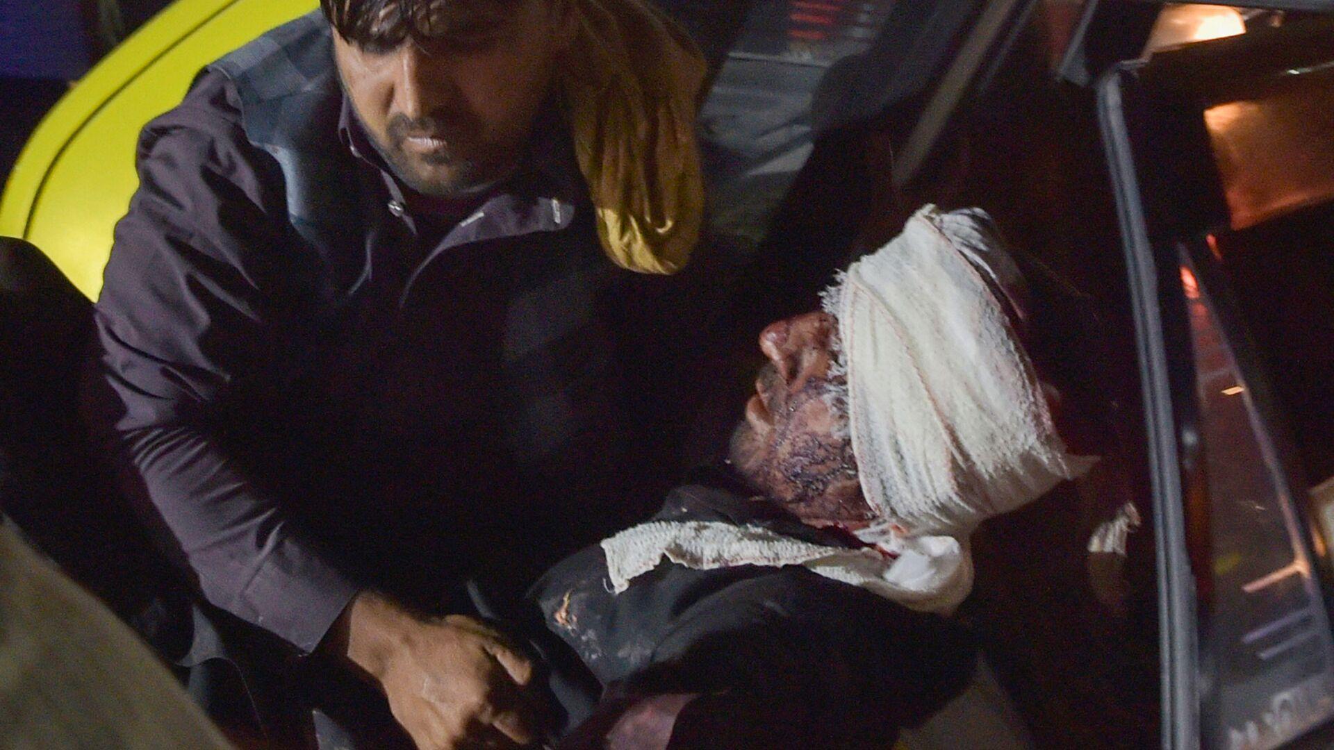 Un'esplosione è avvenuta al gate orientale fuori dall'aeroporto internazionale Hamid Karzai a Kabul - Sputnik Italia, 1920, 27.08.2021