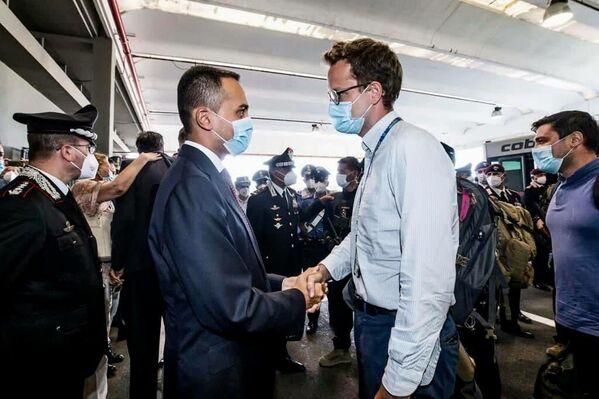 Luigi Di Maio ha accolto i diplomatici e i militari tornati da Kabul. - Sputnik Italia