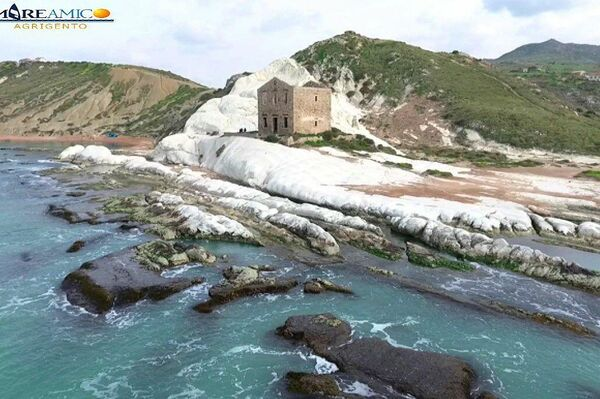 La scogliera di Punta Bianca ad Agrigento - Sputnik Italia