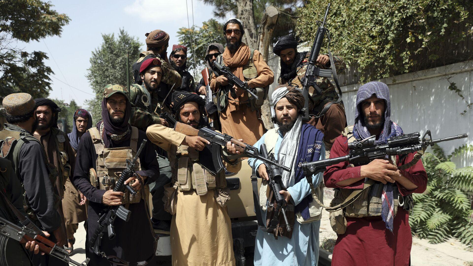 I membri dei talebani* a Kabul - Sputnik Italia, 1920, 06.09.2021