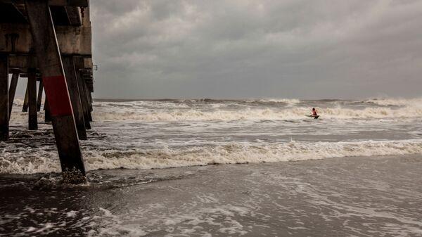 Морское побережье во Флориде после урагана Дориан - Sputnik Italia