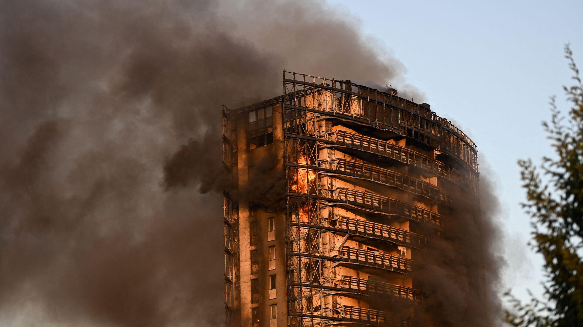Пожар в здании Torre del Moro в Милане  - Sputnik Italia, 1920, 06.09.2021