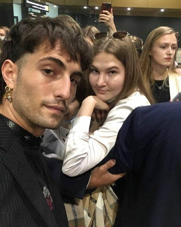 I Måneskin, la rock band italiana vincitrice a Eurovision 2021, sono arrivati a Mosca, dove incontreranno i propri fan. - Sputnik Italia