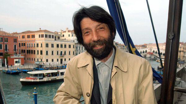 Массимо Каччари в Венеции, Италия, 2005 год  - Sputnik Italia
