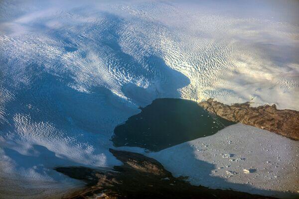 Tutta questa quantità di ghiaccio disciolto in sole 24 ore potrebbe coprire l'intera Florida (170mila chilometri quadrati) con 5 centimetri d'acqua. - Sputnik Italia