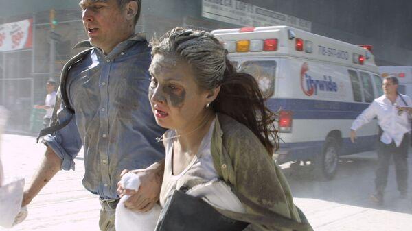 Люди убегают во время теракта в Нью-Йорке  - Sputnik Italia