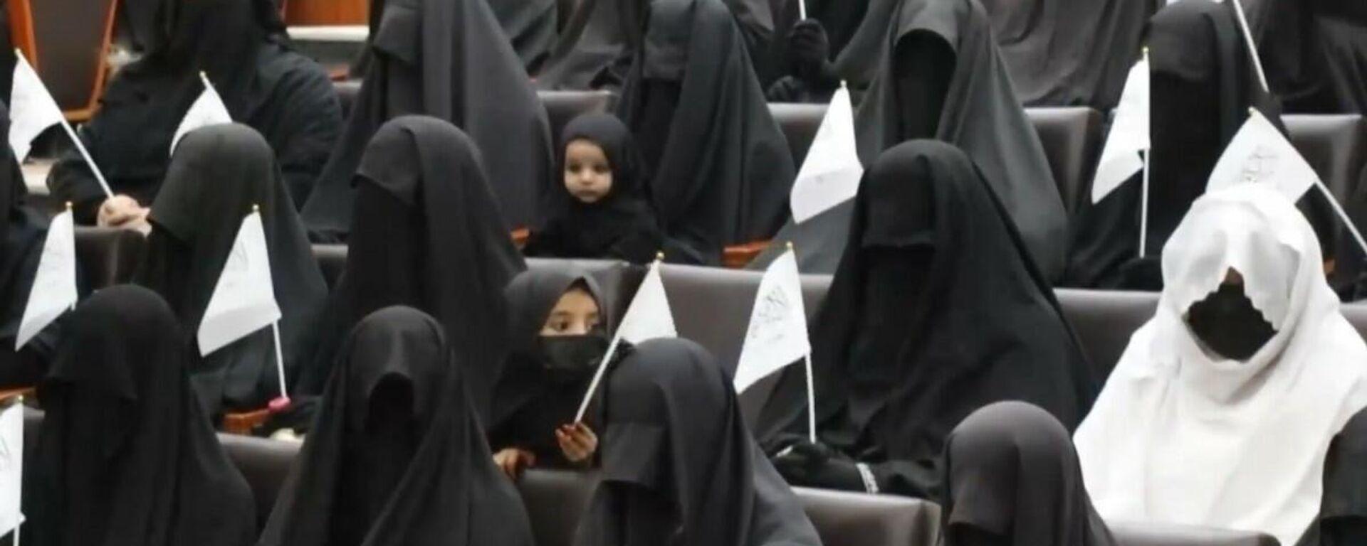 Afghanistan: le donne sostengono le politiche dei talebani all'università di Kabul - Sputnik Italia, 1920, 12.09.2021