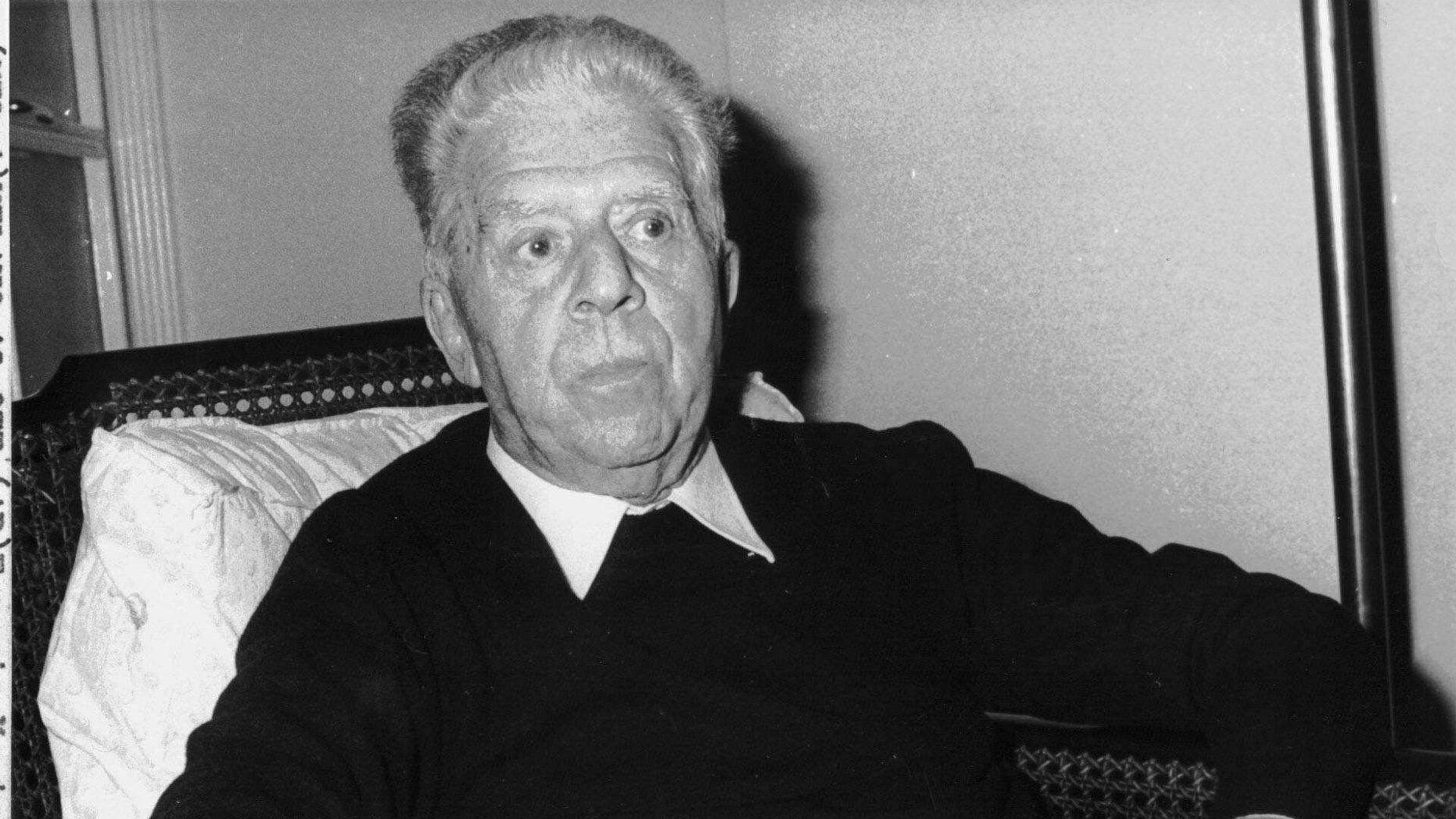 Eugenio Montale, un poeta, traduttore, scrittore, filosofo, giornalista - Sputnik Italia, 1920, 13.09.2021