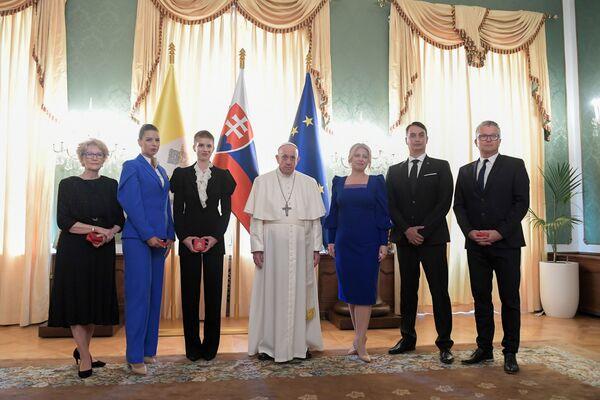 Dopo la visita alla presidente Zuzana Čaputová c'è stato l'incontro con le autorità politiche e religiose, la società civile ed il corpo diplomatico. - Sputnik Italia