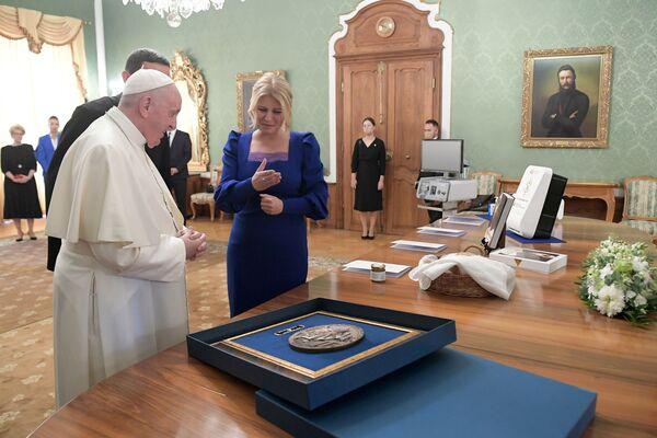 Il Papa al Palazzo presidenziale per la cerimonia di benvenuto. - Sputnik Italia