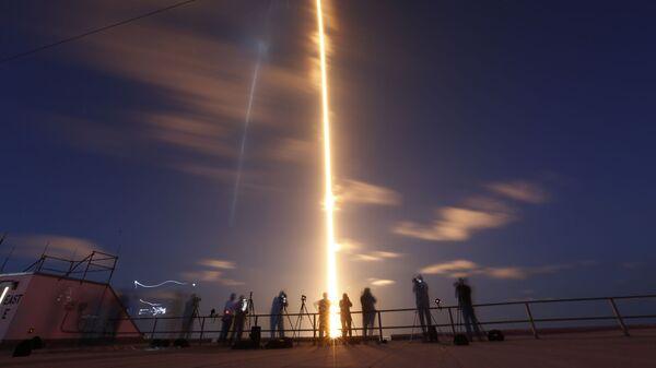 Запуск ракеты SpaceX Falcon 9 с мыса Канаверал, Флорида - Sputnik Italia