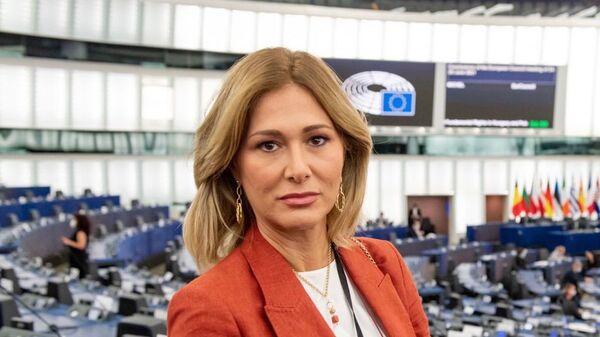 Депутат Европейского парламента Франческа Донато  - Sputnik Italia