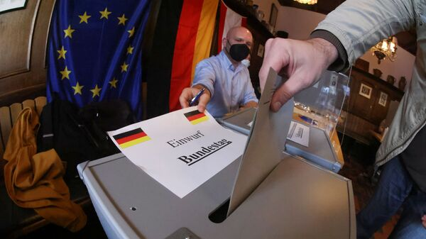 Голосование о время парламентских выборов в Берлине, Германия - Sputnik Italia