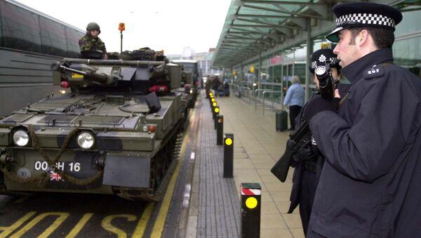 Forze di sicurezza e la polizia della Gran Bretagna - Sputnik Italia