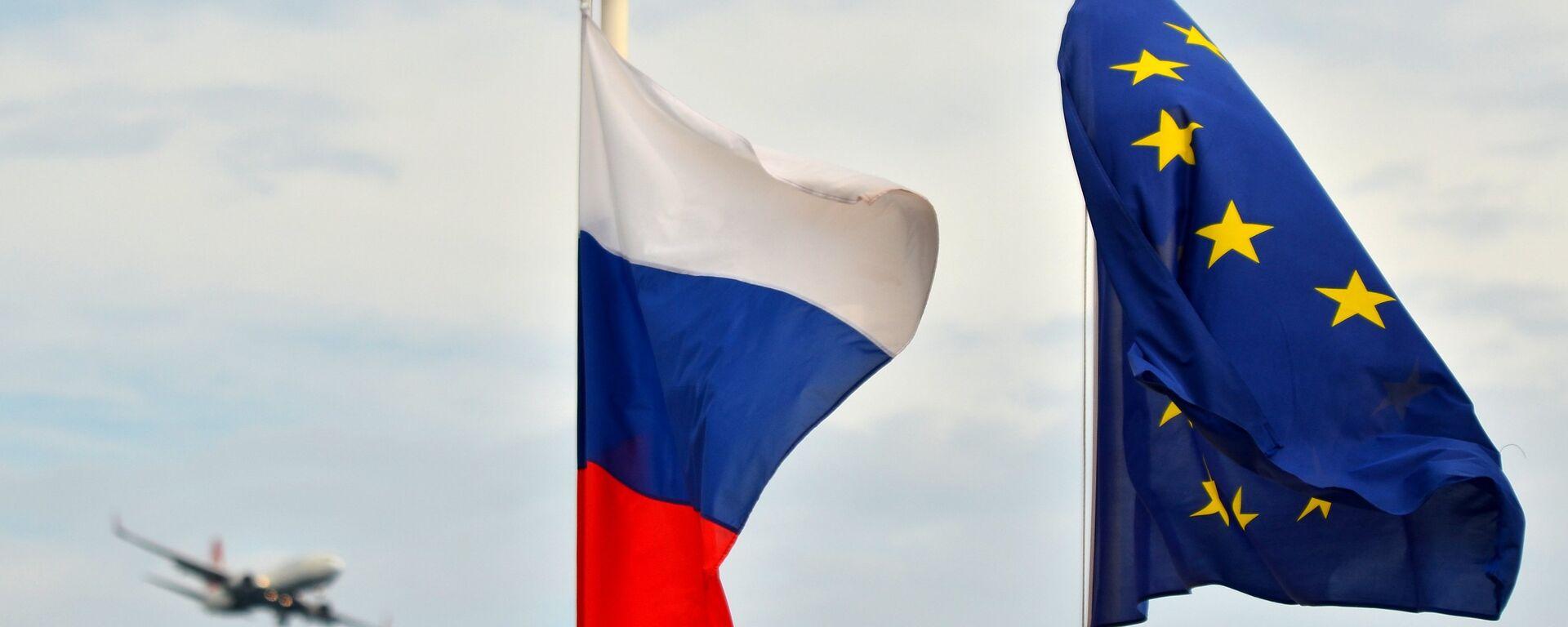 Bandiere della Russia e della UE - Sputnik Italia, 1920, 03.05.2021