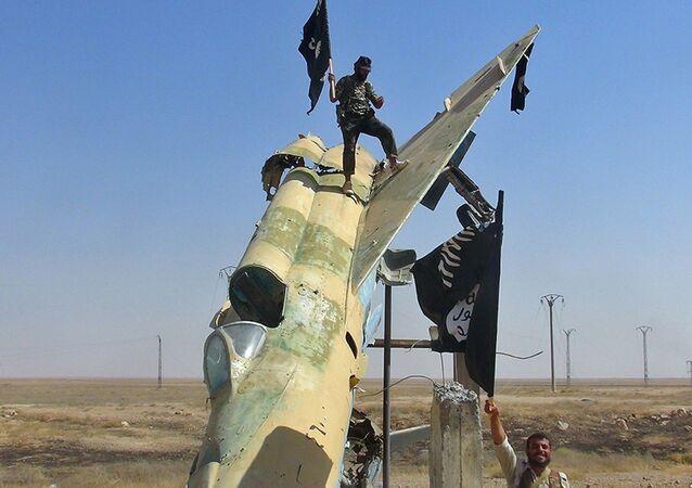 Miliziani dell'ISIS in Siria