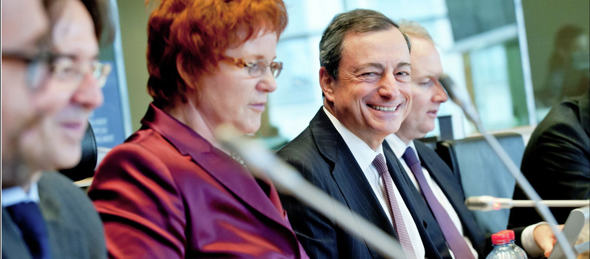 Il presidente della BCE Mario Draghi  - Sputnik Italia, 1920, 05.02.2021