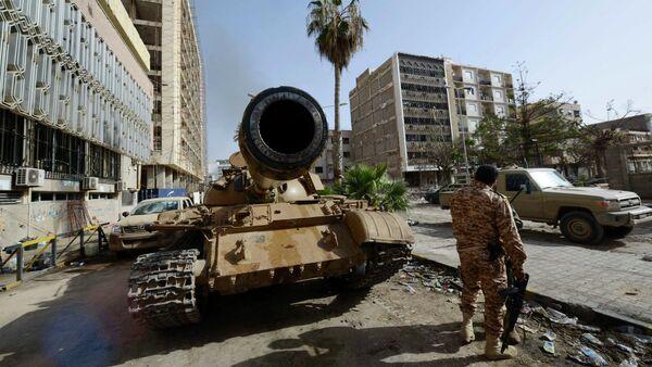 Un militante delle forze pro-governative libiche a Bengasi, Libia - Gennaio 2015 - Sputnik Italia