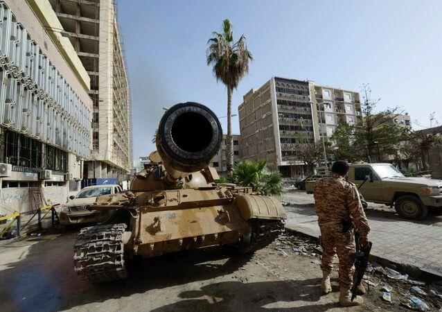 """""""C'è una possibilità di formare un governo di unità nazionale entro la fine della settimana"""".dichiara Bernardino Leon, inviato ONU in Libia"""